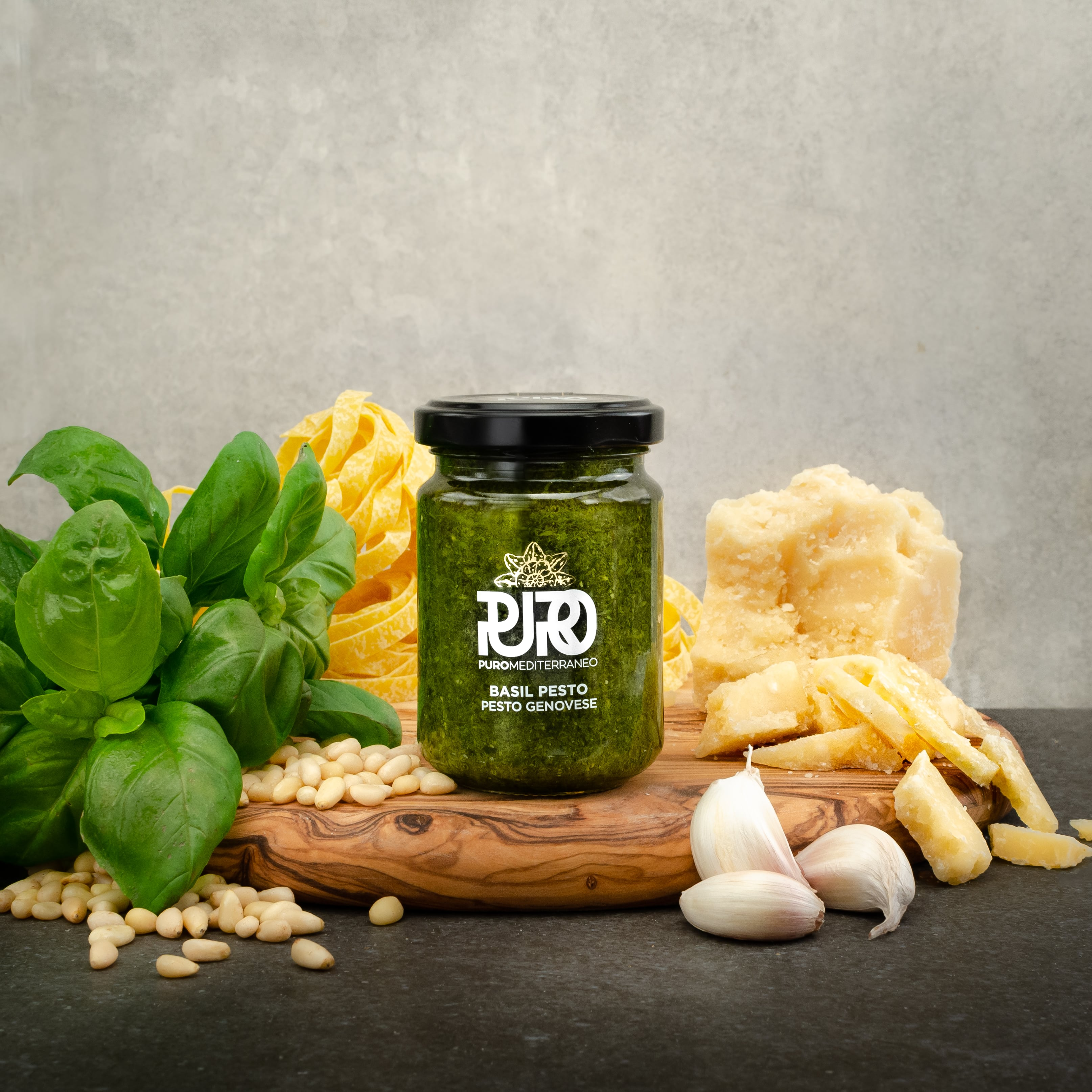 Puro Mediterraneo Raw Basil Pesto